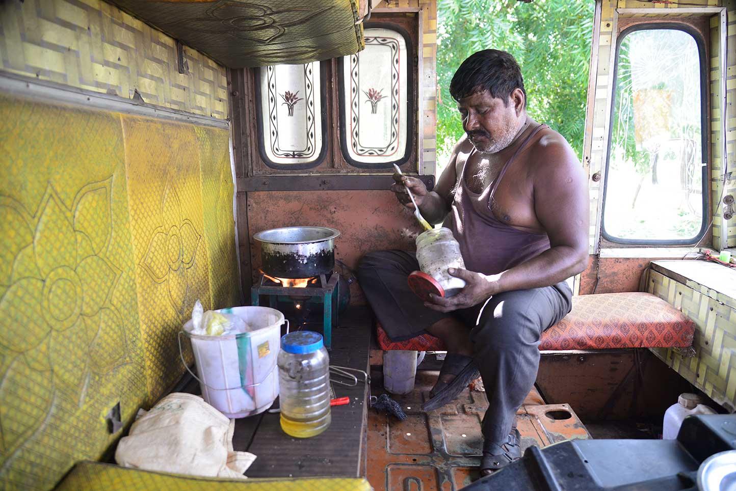 मुक्काम : कुर्नूल चेकनाका, राज्य आंध्र प्रदेश